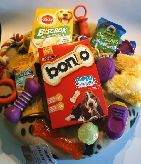 PUPPY STARTER SET WITH 45CM PAW PRINT DONUT BED & PUPPY TREATS AND TOYS